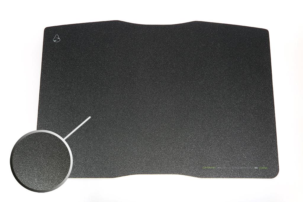 Hartplastik-Mauspad von Mionix
